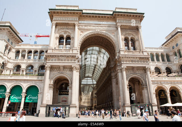 The Vittorio Emanuele II shopping mall (Galleria Vittorio Emanuele II) in Milan - Stock Image