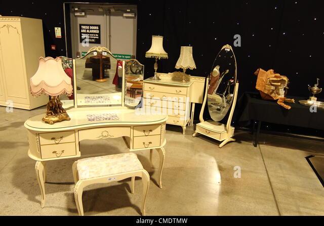 Jimmy savile stock photos jimmy savile stock images alamy for Bedroom furniture leeds