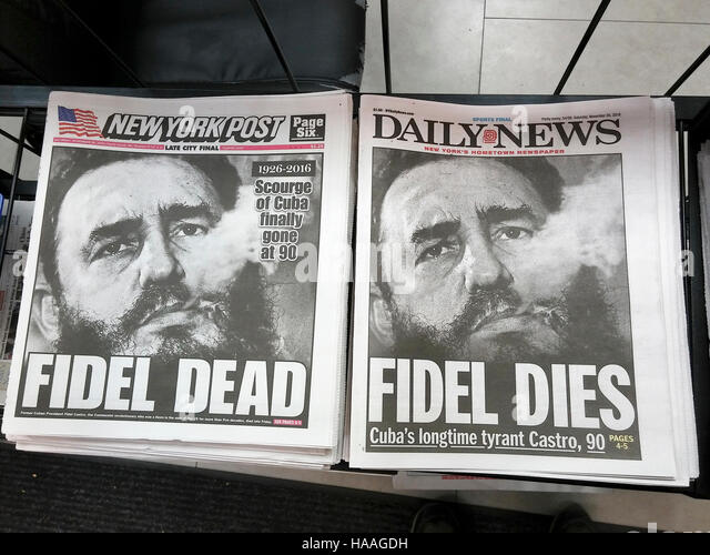 The New York Post and Daily News on Saturday, November 26, 2016 look almost identical as they report on the death - Stock Image