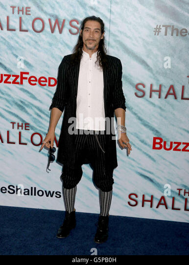 New York, New York, USA. 21st June, 2016. Actor OSCAR JAENADA attends the New York Premiere of 'The Shallows' - Stock Image