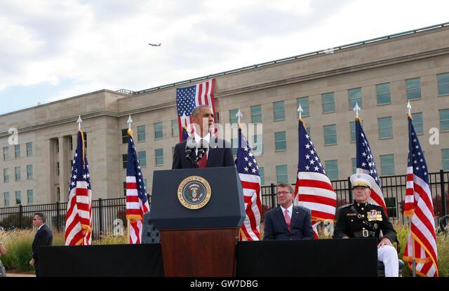 WASHINGTON DC - SEPTEMBER 11: United States President Barack Obama delivers remarks at the Pentagon Memorial in - Stock-Bilder
