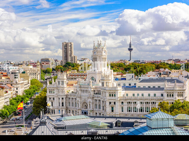 Madrid, Spain skyline at Communication Palace Torrespana Tower. - Stock-Bilder