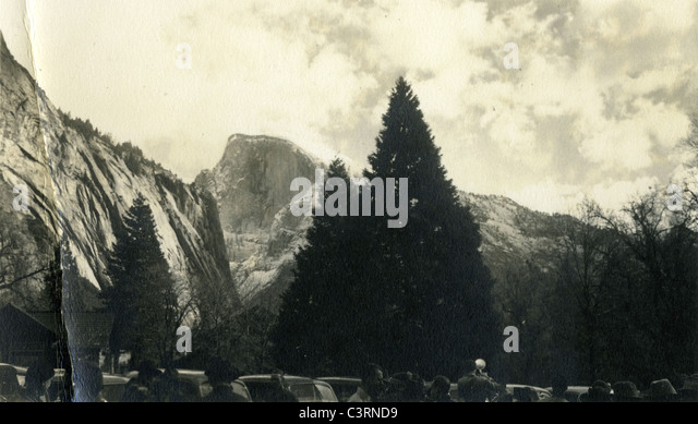 El Capitan tourists Yosemite National Park 1940s - Stock Image