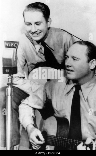 DELMORE BROTHERS  US Country music pioneers. Rabon (top) with Alton about 1945 - Stock Image