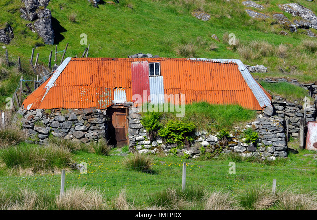 Rusty Roof Stock Photos Amp Rusty Roof Stock Images Alamy