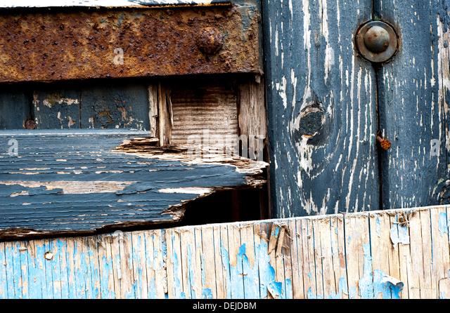 Old door in disused warehouse in South Wales, UK. - Stock-Bilder