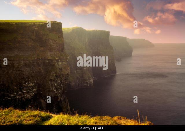 Cliffs of Moher at sunrise. Ireland - Stock-Bilder