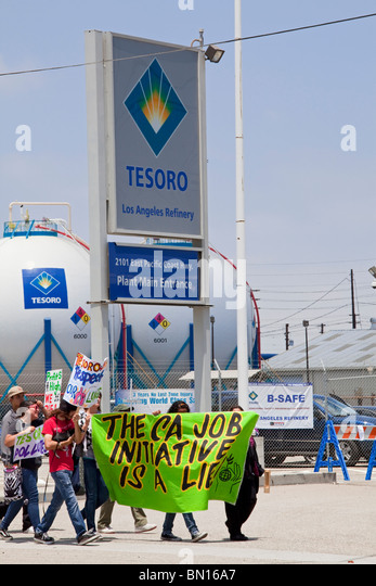 """A protest of """"California jobs Initiative"""", AB 32, at the Tesoro Oil refinery headquarters in Wilmington, California - Stock Image"""