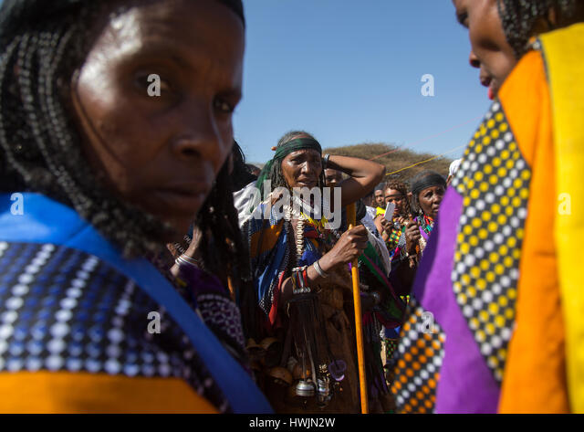 Women in traditional clothing during the Gada system ceremony in Borana tribe, Oromia, Yabelo, Ethiopia - Stock-Bilder