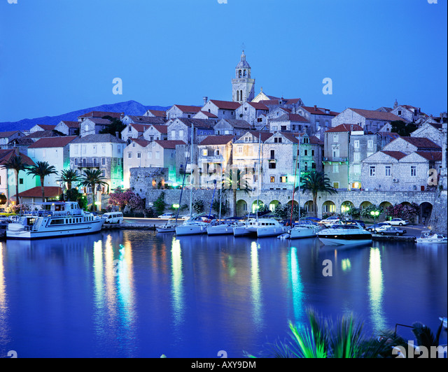 View of Korcula Town at dusk, Korcula Island, Dalmatia, Dalmatian coast, Croatia, Europe - Stock-Bilder