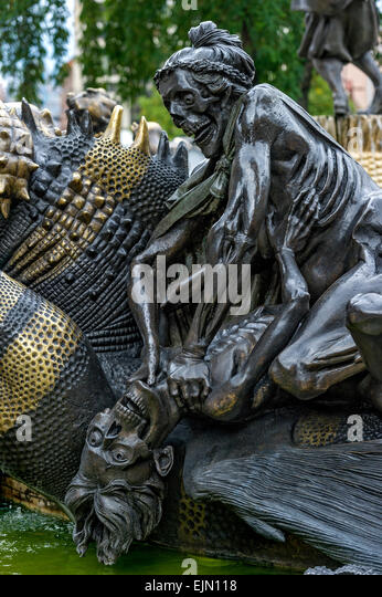 Half-decayed couple fighting statue, Hans-Sachs-Fountain, by Jürgen Weber, Weißer Turm, historic centre, - Stock Image