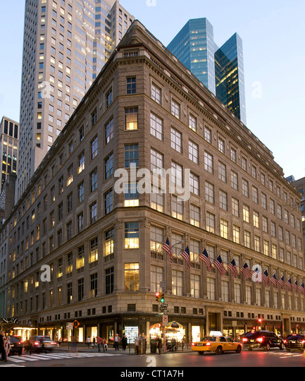 Saks Fifth Avenue Off 5 th is the discount or outlet store version of the original Saks Fifth Avenue store. So to know about Off 5 th, you have to first know about the original store. To know about the history means to travel back in time and place to the early .
