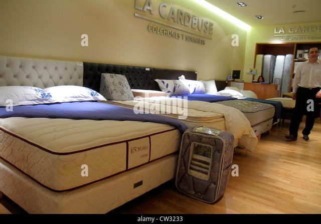 Argentina Mendoza Villa Nueva Mendoza Plaza Shopping mall shopping center centre business store La Cardeuse mattress - Stock Image