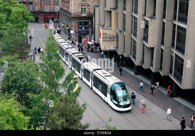 Tram running along the pedestrianised Rue des Francs-Bourgeois in the centre of Strasbourg, Paris. - Stock Image