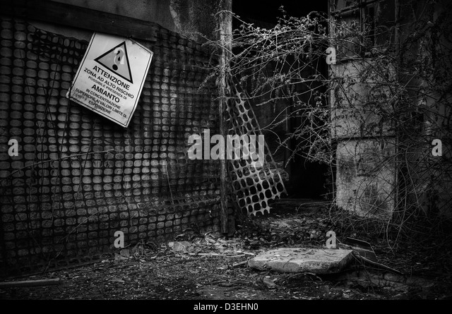 Italy. Asbestos contaminated and abandoned factory - Stock Image