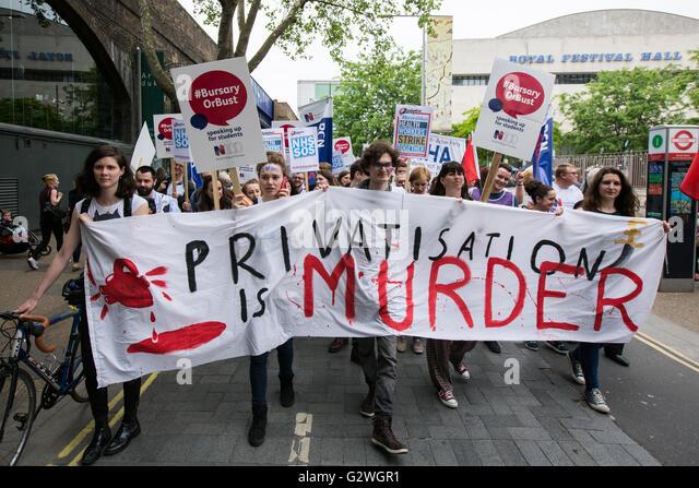 London, UK. 4 June 2016. Student nurses march in London to defend the NHS bursary.David Rowe/Alamy Live news. - Stock Image