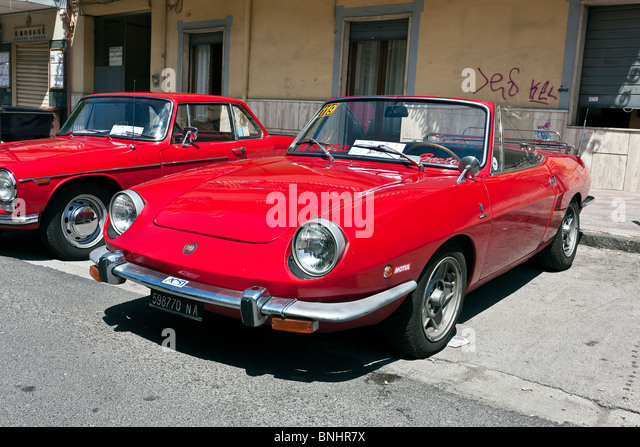 fiat 124 sport spider stock photos fiat 124 sport spider stock images alamy. Black Bedroom Furniture Sets. Home Design Ideas