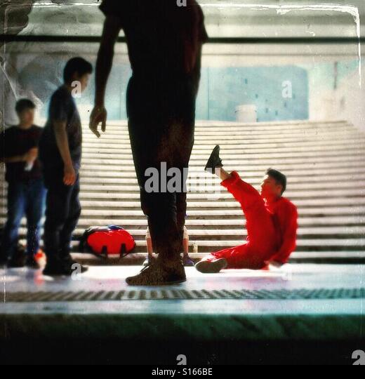 Breakdancing practice for young hip hop artists - Stock-Bilder