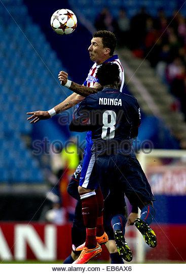 Madrid. 26th Nov, 2014. SPAIN, Madrid: Atletico de Madrid's Croatian forward Mario Mandzukic and Olympiacos - Stock Image