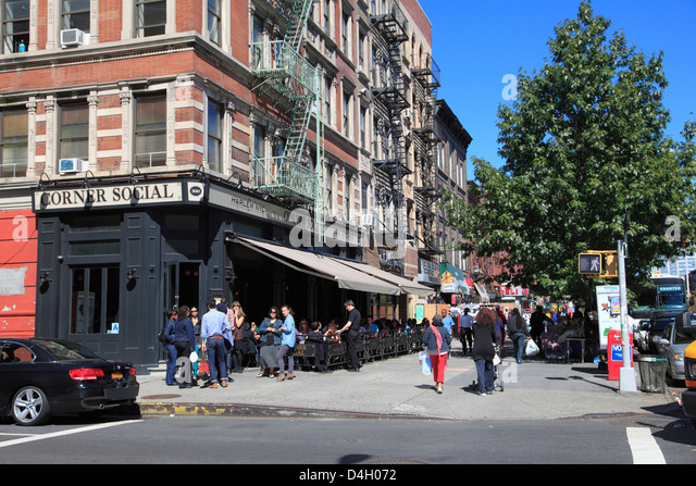 Street scene, Lenox Avenue, Harlem, Manhattan, New York City, USA - Stock Image