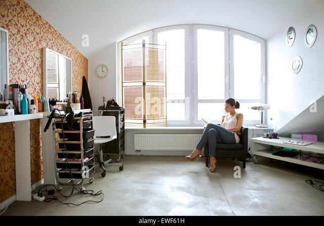 Woman full length mirror stock photos woman full length for Reading beauty salon