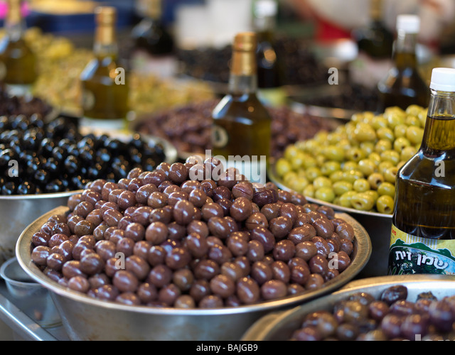 Israel Tel Aviv Carmel Market, olives on display for sale - Stock Image