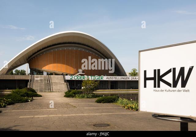 BERLIN, MAY 29TH: The Haus der Kulturen der Welt (HKW) (German for House of the World's Cultures) in Berlin - Stock-Bilder