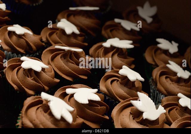 Beautifully decorated fairy sponge cakes - Stock Image