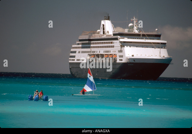 Bahamas Half Moon Cay Holland America Line ms Maasdam cruise ship sailboat water cycle - Stock Image