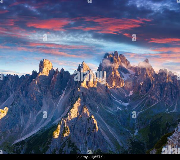 Colorful summer sunrise in Italy Alps, Tre Cime Di Lavaredo, Dolomites, Europe. - Stock Image