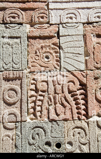 Columns depicting the quetzal bird, Palace of the Quetzal Butterfly, Teotihuacan, Mexico - Stock Image