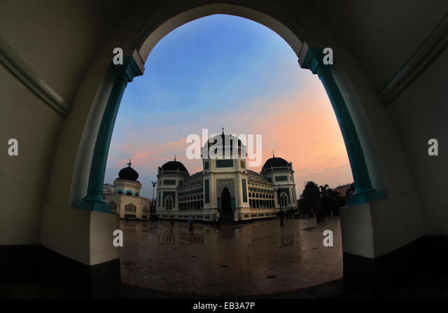 View of mosque in town square from arch way - Stock-Bilder