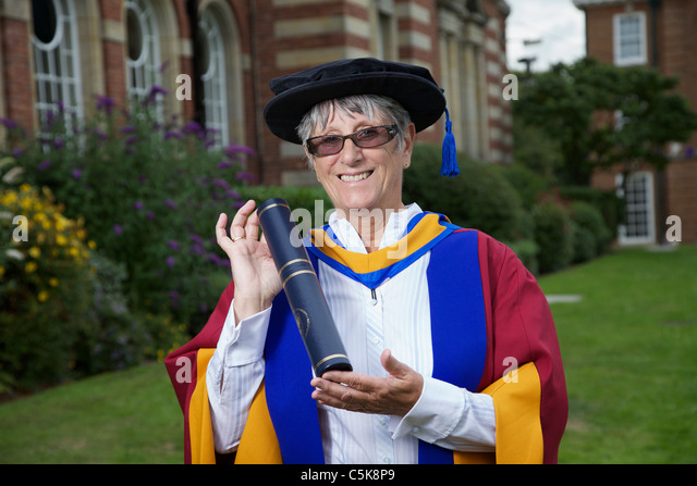 Dorothy Hyman receives an Honorary Doctorate of Sports Science award at Leeds Metropolitan University - Stock Image