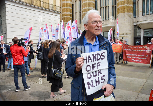 Whitehall, London, UK. 27th June, 2017. Royal College of Curses rally against pay cap. Credit: Philip Robins/Alamy - Stock Image