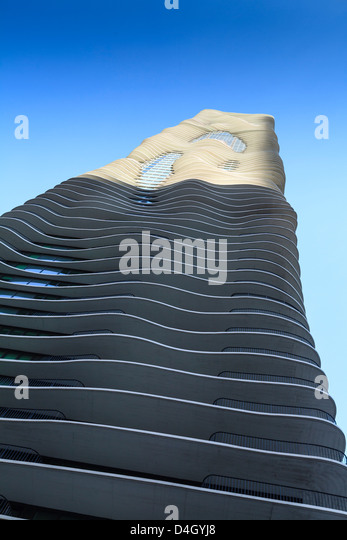 The unusual Aqua Tower designed by Jeanne Gang, Chicago, Illinois, USA - Stock Image