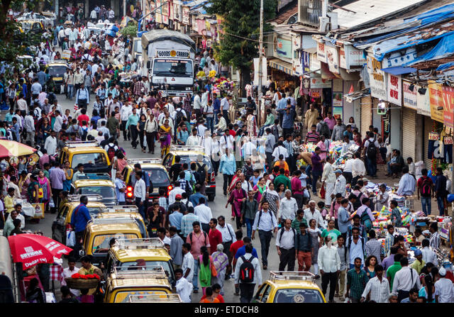 Mumbai India Indian Asian Dadar West rush hour commuters pedestrians street crowded - Stock Image