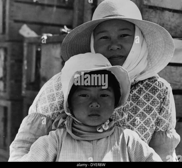 a critique of dorothea langes photograph migrant agricultural workers family seven children without  Migrant agricultural worker's family seven children without food mother aged thirty-two father is a native californian nipomo, california 1936.