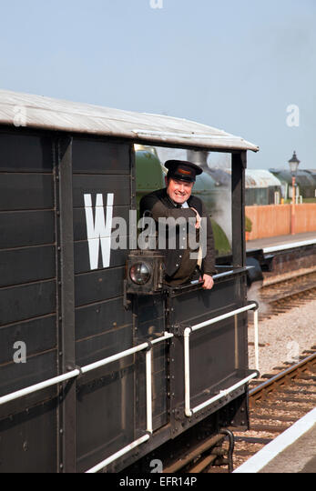 how to become a train guard