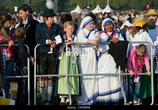 Papal Mass at the airport, visit of Pope Benedict XVI on 25th September 2011, Freiburg im Breisgau, Baden-Wuerttemberg - Stock Image