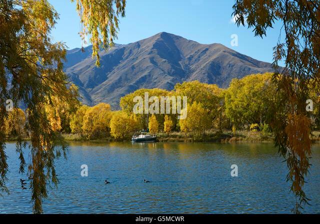 Autumn, Sailors Cutting, Lake Benmore, and Benmore Range, Waitaki Valley, North Otago, South Island, New Zealand - Stock Image