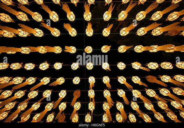 Chiang Mai, Thailand. 12th November 2016. The Yee Peng, Loy Krathong Festival started with the lighting f candles - Stock Image