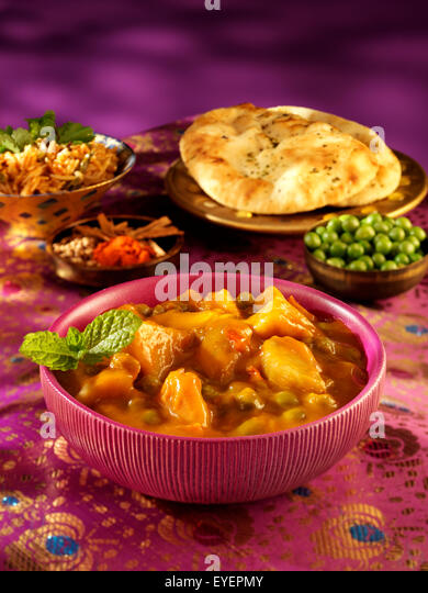 INDIAN ALOO MATTER CURRY - Stock Image