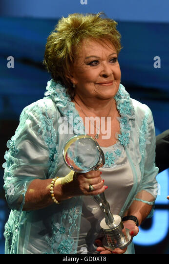 Czech actress Jirina Bohdalova received the President's Award prize for outstanding contribution to Czech cinematography - Stock-Bilder