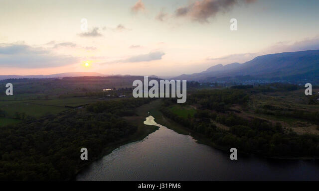 Stirlingshire, UK. 1st May, 2017. Sunset over the Blane Valley after a sunny Bank Holiday Monday. Credit: ALAN OLIVER/Alamy - Stock Image