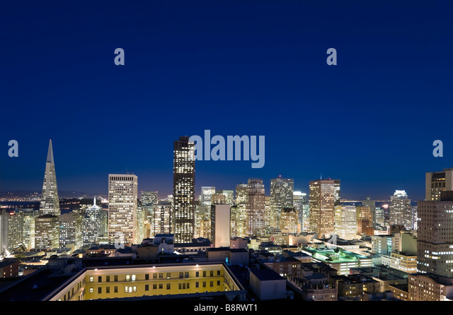 Night view of downtown financial district from the Interncontinental Mark Hopkins Hotel, Nob Hill, San Francisco, - Stock-Bilder