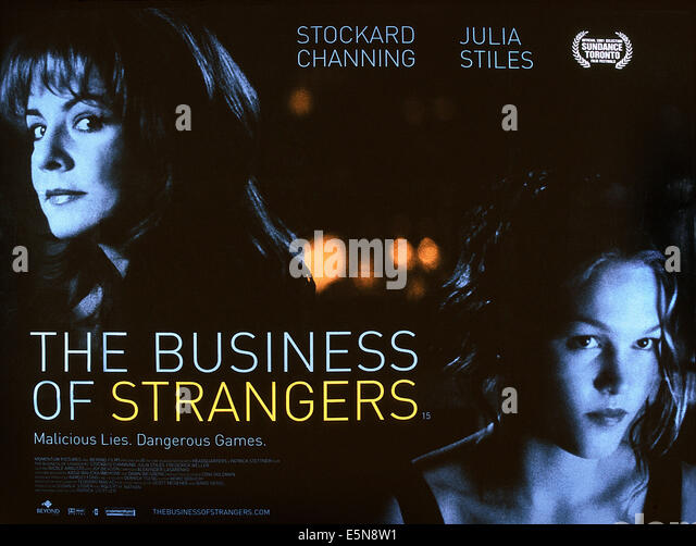 THE BUSINESS OF STRANGERS, from left: Stockard Channing, Julia Stiles, 2001, © IFC Films/courtesy Everett Collection - Stock Image