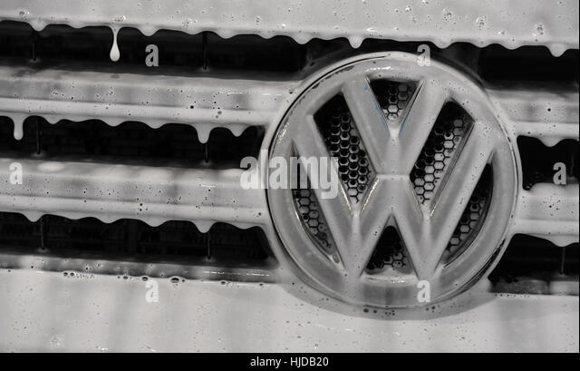 Potsdam, Germany. 14th Jan, 2017. ILLUSTRATION - The logo of the Volkswagen AG, covered with soap in Potsdam, Germany, - Stock Image