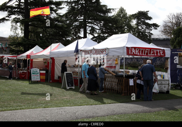 French and Spanish stalls at a food festival, Leamington Spa, England - Stock Image