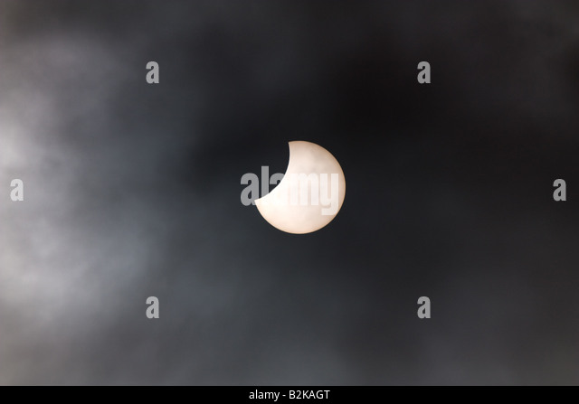 Partial Eclipse - Northern Ireland 1st Aug 2008 10.16am - Stock Image