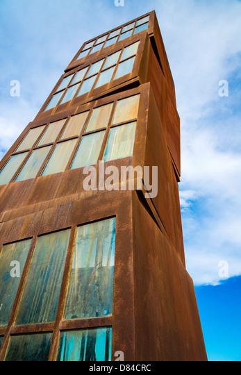 Estel Ferit sculpture by Rebecca Horn, Barcelona, Catalonia, Spain - Stock Image